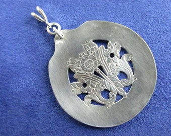 Silverware Jewelry,Silverware Pendant,Spoon Jewelry,Pendant,Spoon Pendant,Silverspoon,Gift,Silver,Silver Jewelry,Milady,Antique,Gifts,P0028
