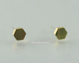 Solid gold hexagon earring, gold hexagon stud earring, solid gold stud earring, hexagon jewelry, geometric jewelry, minimalist jewelry