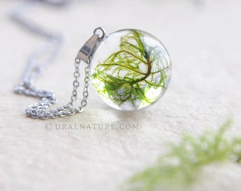 Moss necklace ⇷18mm⇸ Resin terrarium pendant | Mountain moss jewelry | Emerald moss pendant | Wanderlust gift for her | Real moss jewellery