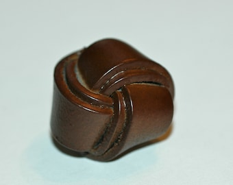 """11/16"""" Brown Leather Big Knot Button. (20mm)"""