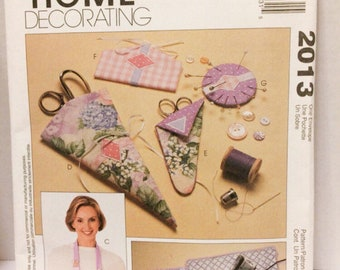 Sewing room organizers/McCalls 2013/ Home Decorating/sewing accessories/scissors cases /ironing board cover/pin holder/needle case/