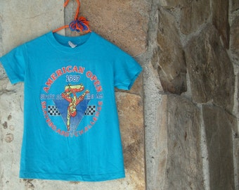 80s KIDS SKATEBOARD T-SHIRT vintage distressed paper thin youth graphic tee