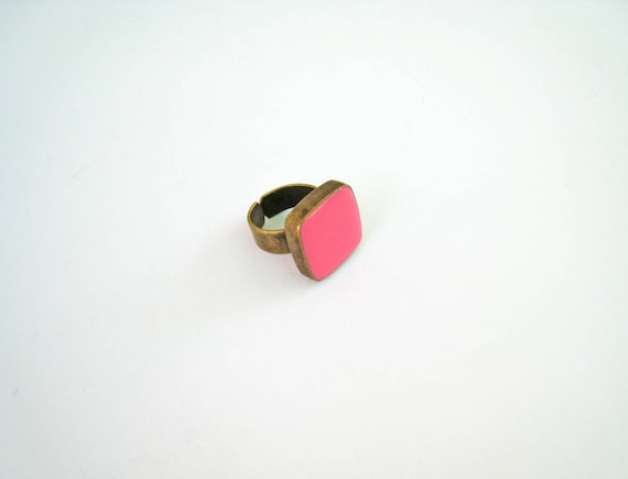 Pink statement ring, bronze pink ring, pastel rose baby pink resin ring, square ring, modern minimalist jewelry, color block jewelry