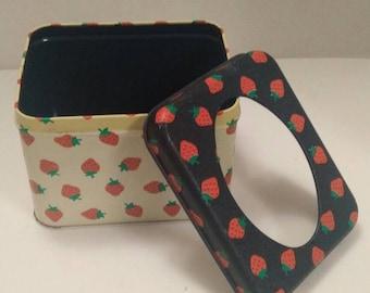 Vintage Potpourri Press Strawberry Tin