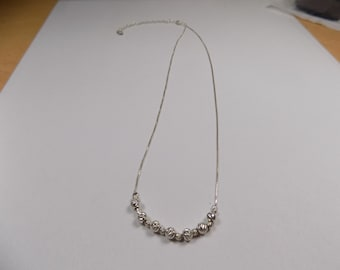 Beautiful diamond cut sterling silver beaded necklace 18 inches long