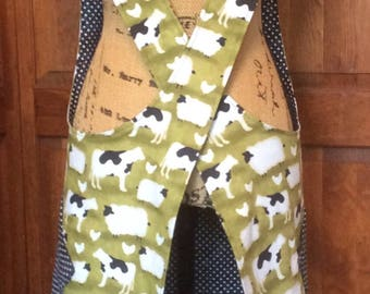 Cross Back apron-Large/XLarge fully lined or reversible
