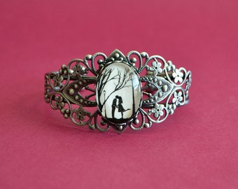 Silhouette Art Bracelet, Filigree Bangle - AUTUMN KISS - Silhouette Jewelry