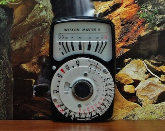 Vintage WESTON MASTER 6 Model 560 Exposure Light Meter, Reflective and Incident Readings, Circa: 1972, Nice Shape!