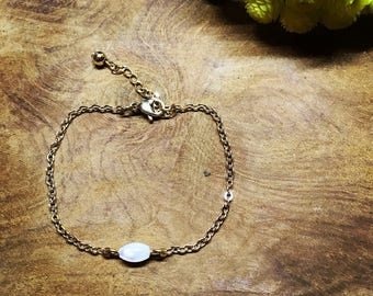 Gold plated pearl bracelet