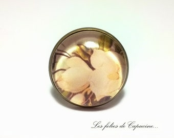 THE CAMELIA• •PAON glass cabochon ring
