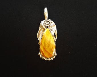 Orange Spiny Oyster Pendant S Ray