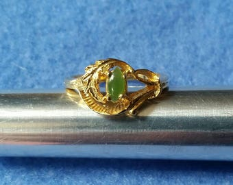 Vintage Jade Ring, gold tone ring with green stone, gold leaf design, size 6 ring, unsigned vintage ring
