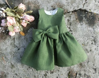 Green baby dress. Baby Christmas dress. St.Patricks Day. Green baby dress. Baby holiday dress. Baby linen dress. Green Christmas dress