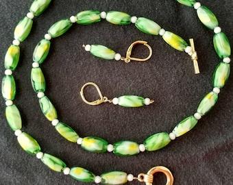 Peridot swirl bead set