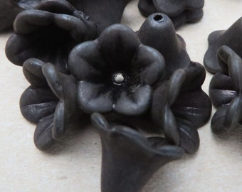 Lucite Flower Beads Black Lucite Flower Beads 10 per order about 14mm in diameter,10mm
