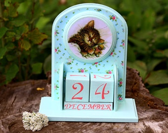 Wooden perpetual calendar with cat lover gift  for girls nursery decor Wood block calendar Cat desk calendar mint and pink nursery Custom