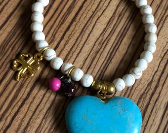 Turquoise heart and gold clover charm bracelet