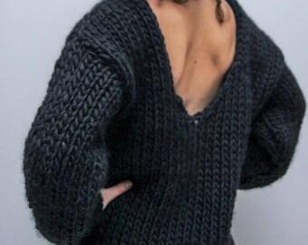 v-neck/backless/chunky/elegant/cozy/sweater/100%wool