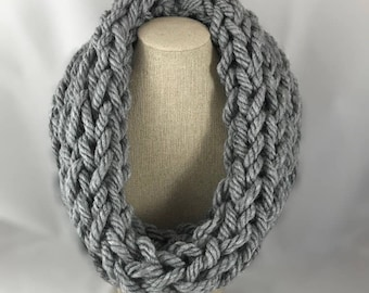 Chunky cowl - cowl - knitted scarf - gift for her - gift for mom - christmas gift