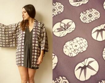 1970's Vintage Crepe Abstract Floral Pattern Japanese Kimono Duster Jacket Haori