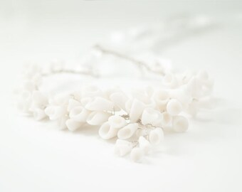 White Statement Necklace , Calla lilies White Porcelain Flowers , Sterling Silver Bridal Necklace, Flower Wedding Jewelry, Chunky Necklaces