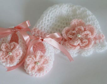 Crochet Baby Hat and Booties, White Salmon Pink Baby Shower  Gift Crochet Baby Girl Set Size Newborn , 0-3 Months Christening Baptism