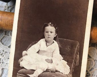 Bewildered Little Girl - CDV carte de visite antique photograph