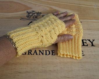 Usefull gif, Fingerless Gloves for women, Crochet hand warmers, Crochet mittens, Soft Wrist Warmers, Yellow Soft Mittens