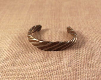Mixed Metal Twisted Cuff Bracelet in Copper, Silver (Aluminum)  and Brass - Vintage 1980s