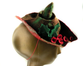 Felt Holiday Hat for Christmas Party - Festive Fascinator with Holly and Berries - Mini Hat for Renaissance Fair in Green and Red