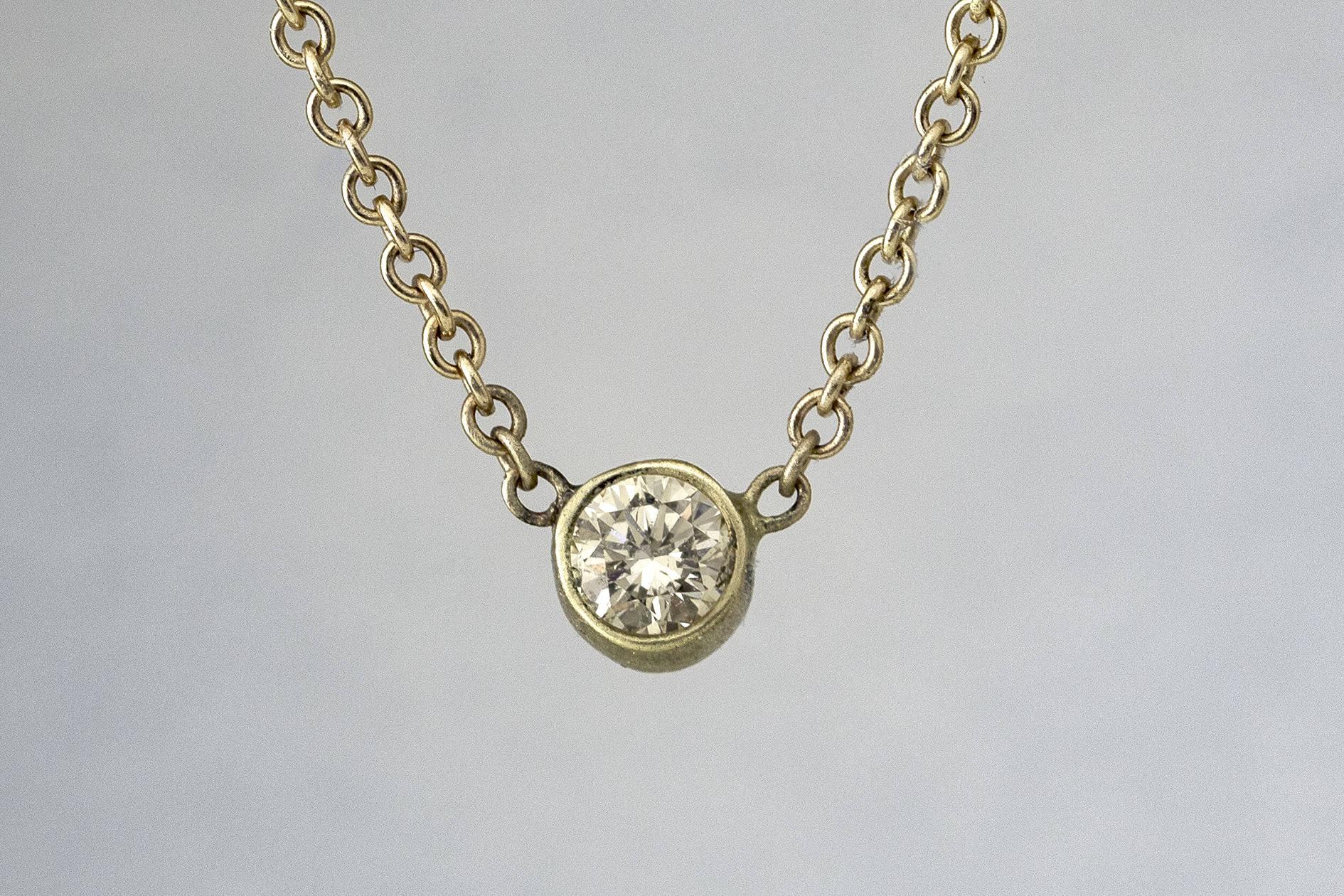 dainty thin round diamond necklace gold diamond pendant. Black Bedroom Furniture Sets. Home Design Ideas