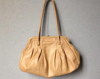 beige leather purse vintage, seventies handbag clasp, boho, retro, Made in Italy