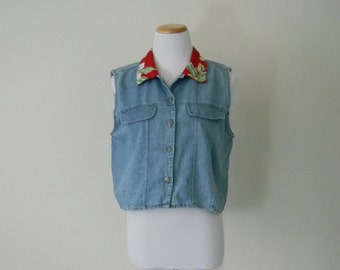 FREE usa SHIPPING Vintage 1980s woman's cropped top/blouse sleveless button up denim size M