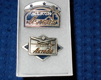 HOUSTON ASTROS VINTAGE pins- buttons baseball 1991 2 pins in gift box