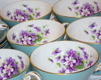 Vintage Aynsley Royal England 8Pc Tea Cup and Saucer Set, Home, Serving