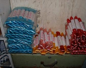 Huge Vintage Dealer Lot Hi Straw 140 Skeins Blue Pink Yellow Old Store stock