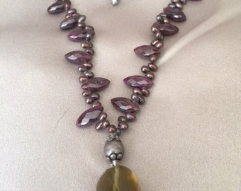 necklace with garnets and topaz