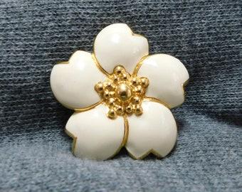 Monet Flower Pin Brooch White Jewelry Goldtone Star Center Vintage