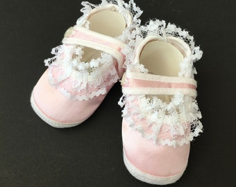 Adorable Vintage Baby Girl Shoes in Original Packaging