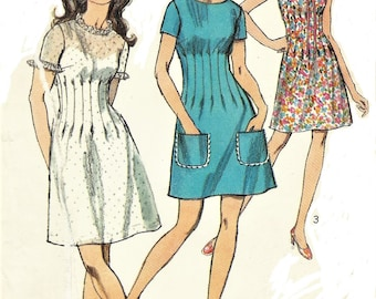 1970s Womens Dress in Two Lengths with Midriff Detail Mod Mini Dress Simplicity Sewing Pattern 8733 Size 12 Bust 34 Vintage Sewing Pattern
