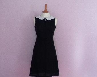 Vintage 1960's Peter pan collar Aline sleeveless black & white dress