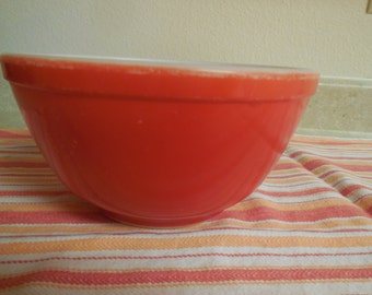 Vintage Primary Red NO NUMBERS 1.5 QT Mixing Bowl