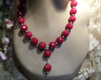 One strand wine red faceted jade necklace with center drop