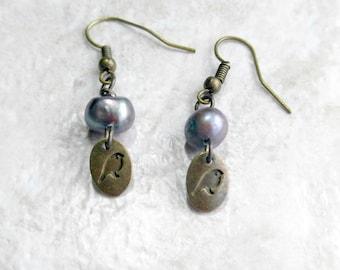 Pearl Earrings, bird earrings, June birthstone, short dangle earrings, birthday gift for her, beach wedding, boho style, gift for daughter