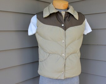 vintage 1980's -Tempco- Men's puffy vest.  Two-tone styling - Goose Down insulation. Made in USA. Boys Large / Men's Small