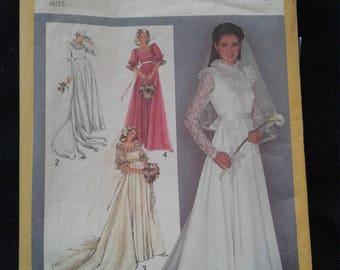 Vintage Simplicity 9755 Pattern - Uncut, Size 6 & 8