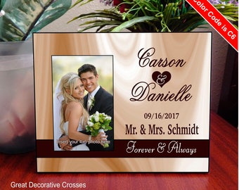 Personalized Wedding Gift - Gifts for Couple - Mr and Mrs Picture Frame - Newlyweds Gift - Engagement Gift, FWA011