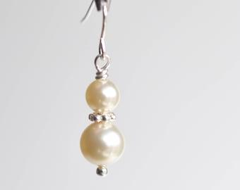 Classic pearl bridal earrings, pearl drop earrings, Swarovski earrings, bridal jewelry, bridal pearl earrings, wedding jewelry, for her