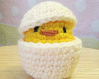 Crochet PDF Pattern- Shy Chicken Chicky with his shell