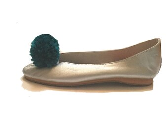 New! Teal blue Pom Pom shoe clips, Pom Pom shoes,shoes bling, shoe accessories